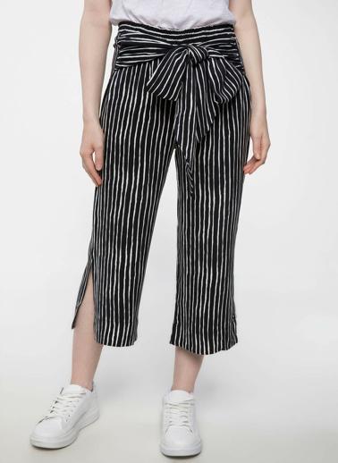 DeFacto Kuşak Bağlama Detaylı Çizgili Rahat Kesim Pantolon Siyah